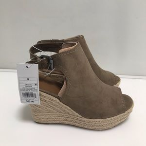 Universal thread wedge shoes